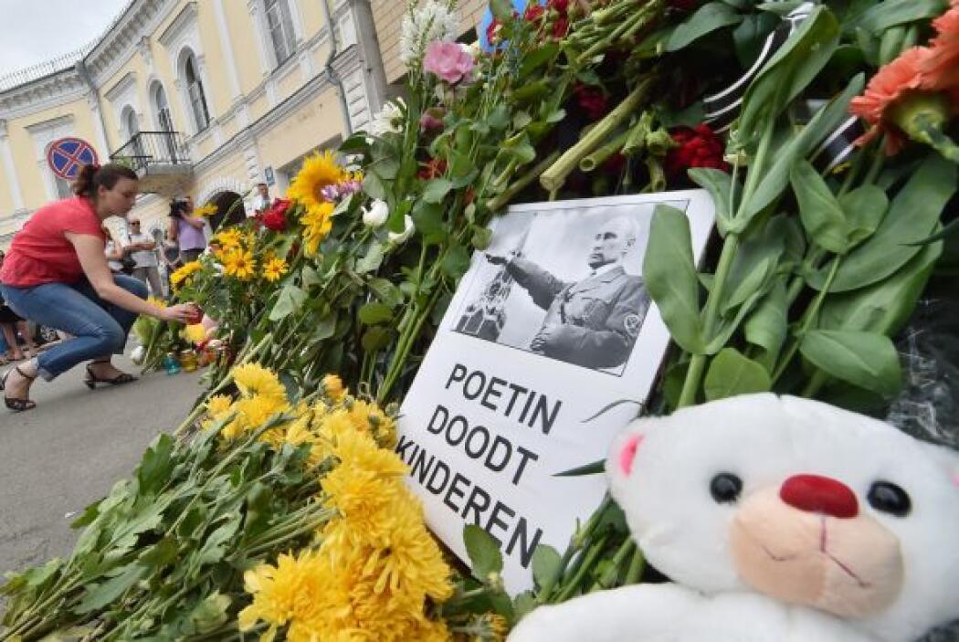 También aparecieron algunos mensajes que consignaban la tragedia.