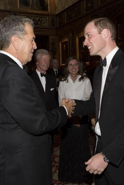 La Reina le dio un permiso especial para usar el castillo. Mira aquí lo...