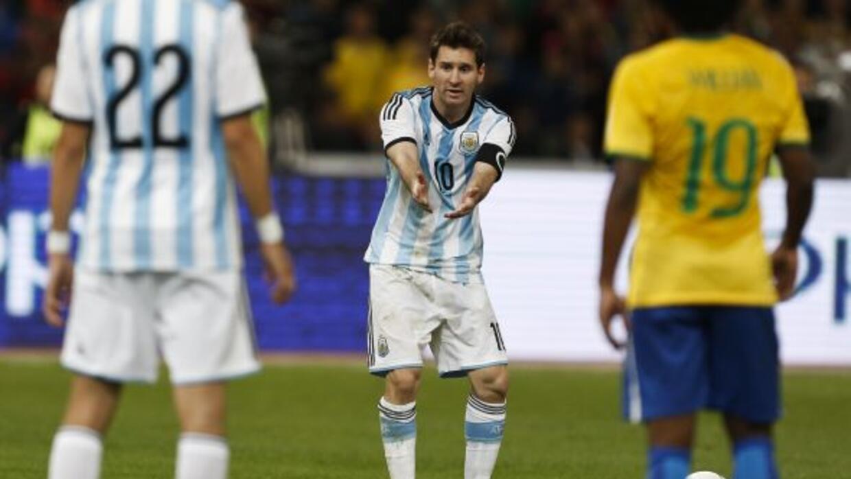 El astro argentino tuvo el empate con un penal pero erró su disparo.