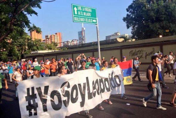 Tanto en la capital, Caracas, como en los estados, hubo desfiles con pan...