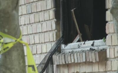 Un hombre y su mascota fallecen en incendio en el noreste de Dallas