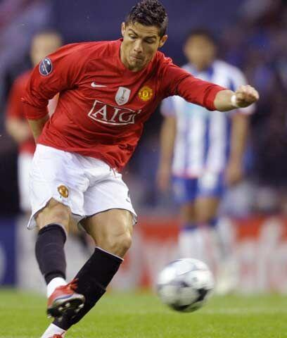 Un jugador completoCristiano Ronaldo es un jugador completo que domina t...