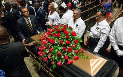 El multitudinario funeral de Michael Brown