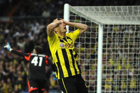 Pero eran los teutones quienes tuvieron el primer gol en pies de Robert...