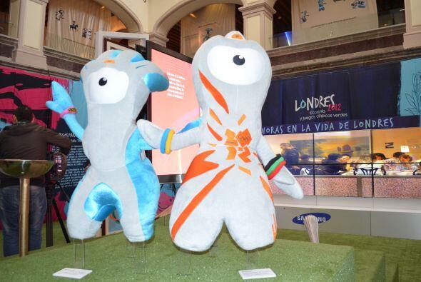 Y claro, las mascotas de Londres 2012: Wenlock y Mandeville, no podían f...