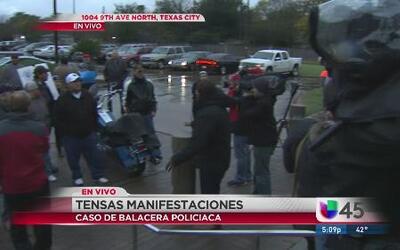 Tensa protesta por balacera policial