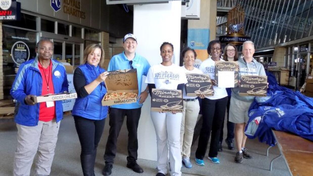 Los campeones de 2014 enviaron pizzas al equipo que planea la celebració...