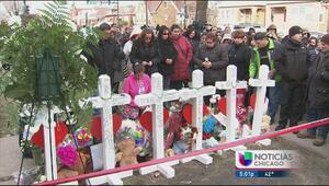 Vecinos realizan una vigilia para familia asesinada