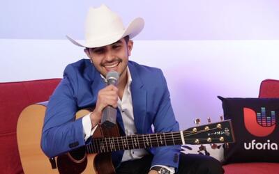 Desde joven, Joss Favela sabía que tenía que se dedicaría a la música