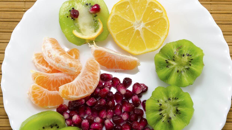 ¡No abandones la alimentación saludable por la llegada del frío! Checa s...