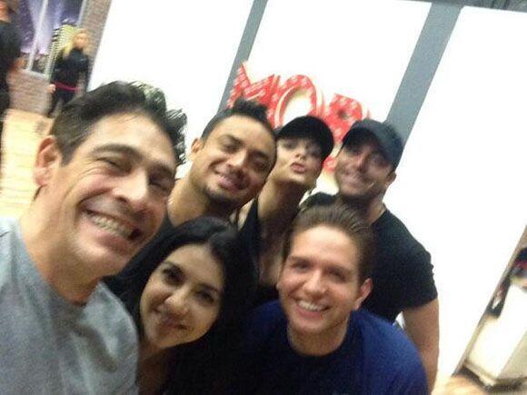 """""""Reunión de amigos. @MarjoDSousa @MannyManuel @Dasaoficial @GracielaBelt..."""