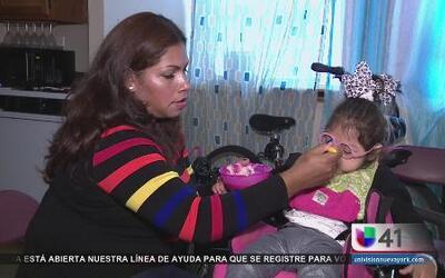 Madre reclama transporte para su hija