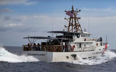 Autoridades del sur de Florida patrullando las aguas durante el fin de s...