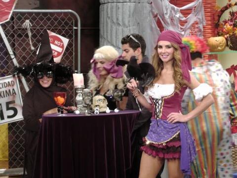 Payasos, súper héroes y más... Anticipándonos al día de brujas, se armó...