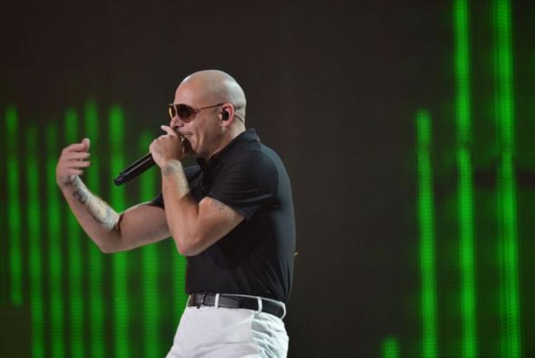 Y para que 'No Pare la Fiesta' llegó Pitbull.