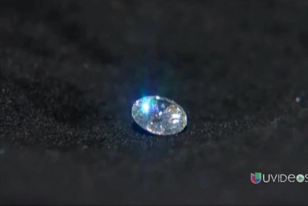 Anciana de 80 años se tragó un diamante valorado en $5,000 que estaba en...