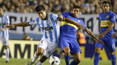 Golazo del colombiano Martínez da el triunfo al Racing sobre Boca...