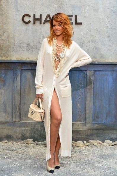 ¡Rihanna es otra chica que va por la vida sin ropa interior!  A es...