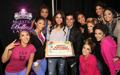 Alejandra celebró su cumpleaños en el backstage de la quinta gala