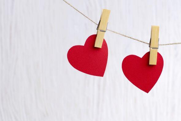 Guirnalda de corazones. Puede ser una hermosa decoración para la...