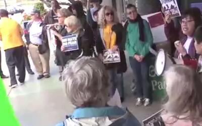 'Área de la Bahía en un Minuto': decenas de personas protestan en contra...