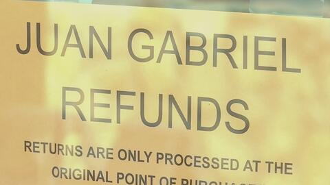 Fanáticos prefieren quedarse con los boletos del concierto de Juan Gabriel
