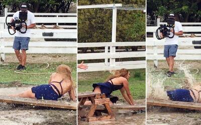 Sin editar: El momento que Zoila cayó en el fango