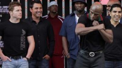 'Canelo' Álvarez y Floyd Mayweather Jr. pelearán el 14 de septiembre en...