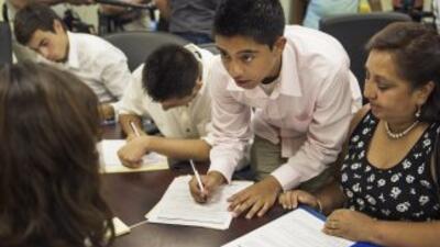 El DACA fue puesto en vigor el 15 de agosto de 2012 y beneficia a 1.7 mi...