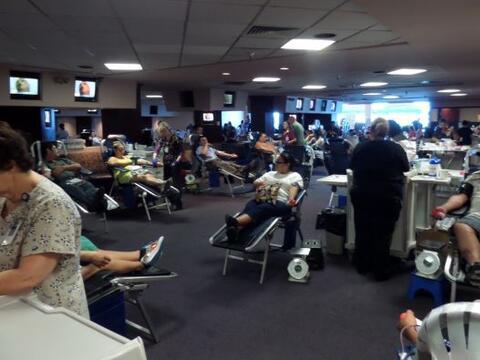 Cientos de personas acudieron a nuestro evento de donación de san...