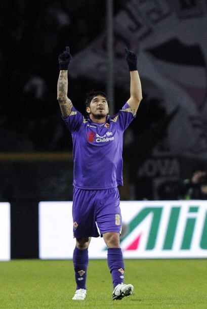 Una vez más el lateral izquierdo, Vargas, le daba una alegr&iacut...