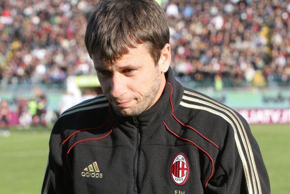 Pero también se esperaba el debut de Antonio Cassano como 'rosson...
