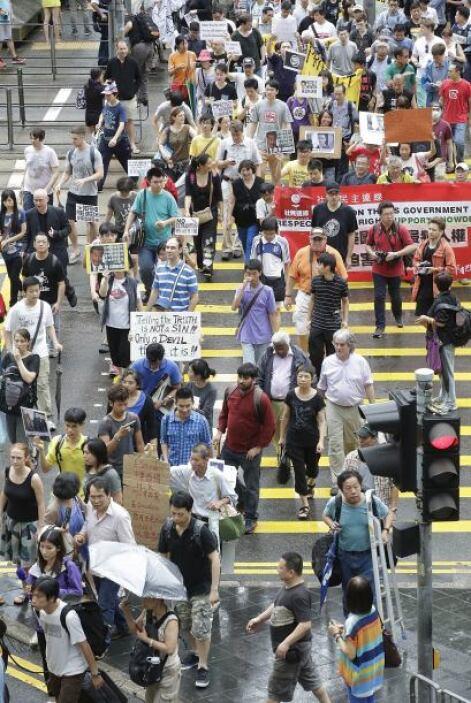 Snowden explicó al periódico de Hong Kong su intención de permanecer en...