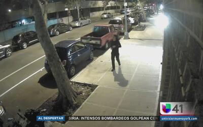 Buscan a sujetos que asaltaron a un adolescente en El Bronx