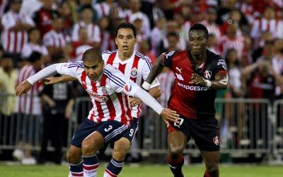 Chivas contra Atlas en San José en amistoso.