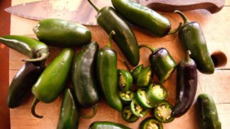 Para María Elena Salinas, el chile japaleño es sinónimo de sabor mexicano.