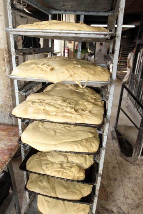La Rosca de Reyes tradicionalmente estaba compuesta solamente de pan, fr...
