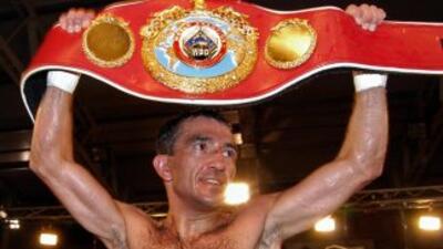 Omar 'Huracán' Narváez venció a William Urina y retuvo campeonato superm...