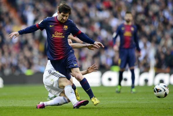 Messi, muy marcado, continuó en su crisis temporal, a pesar de que anotó...