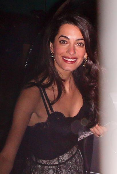 Amal además de bella siempre luce su mejor sonrisa ante las c&aac...