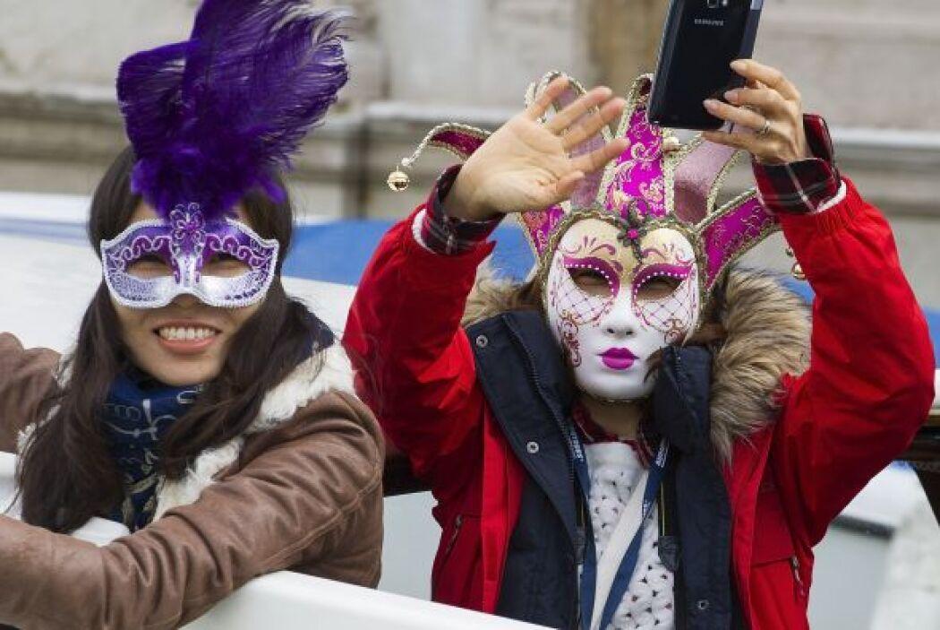 Pero en lo que al verdadero Carnaval de Venecia se refiere, este evento...