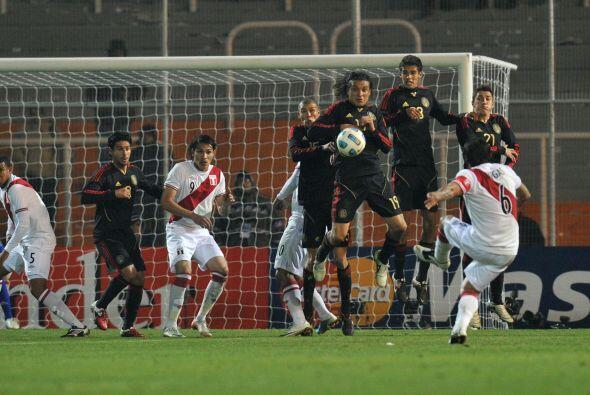 Perú le ganó por la mínima y demostró las fa...