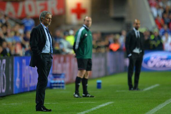 En el primer tiempo Mourinho le ganó la batalla estratégica a Guardiola.