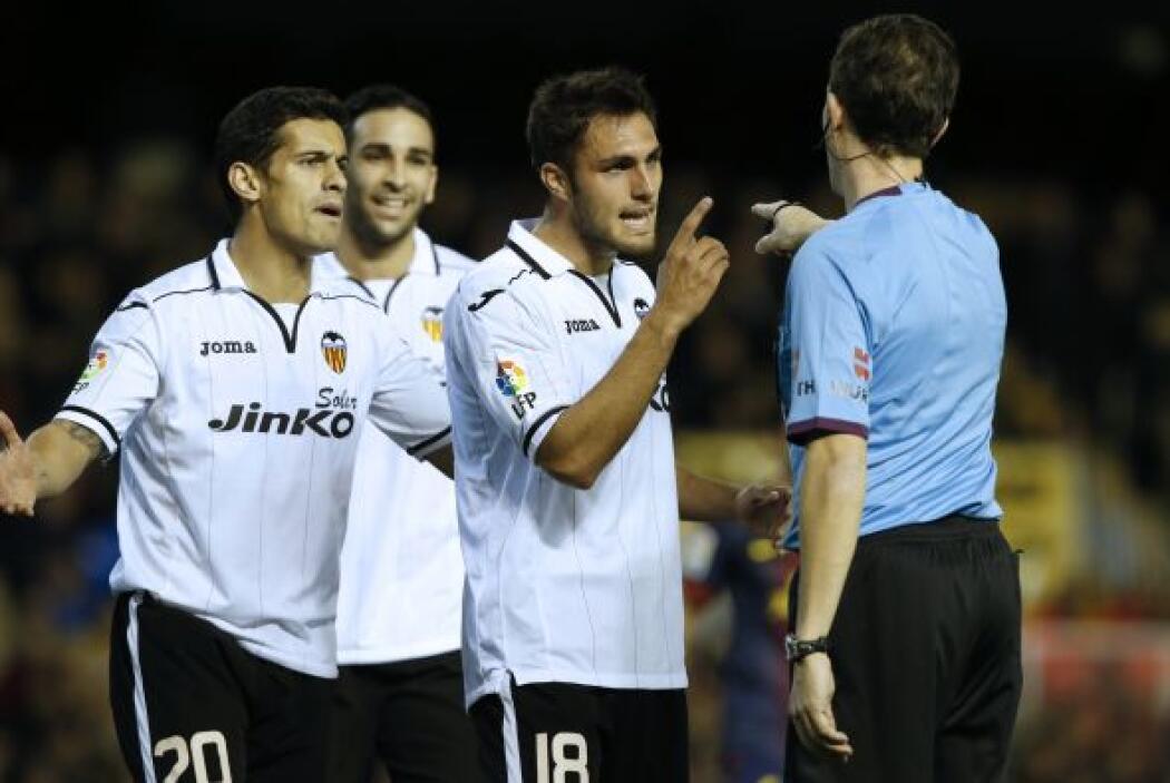 Pero el árbitro marcó un polémico penalti en favor del Barça, pese a la...