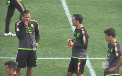 Osorio: 'Carlos 'Gullit' Peña jugaría como falso 9 ante Paraguay'