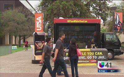 Una iniciativa busca salvar las vidas de cientos de jóvenes en Texas dur...