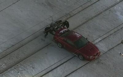 Conductor se salva por solo segundos de morir arrollado por un ferrocarril