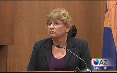 Testifica madre de acusado de abuso infantil