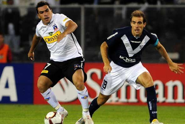 En tanto en Santiago de Chile Colo Colo recibió a Vélez Sarsfield en el...