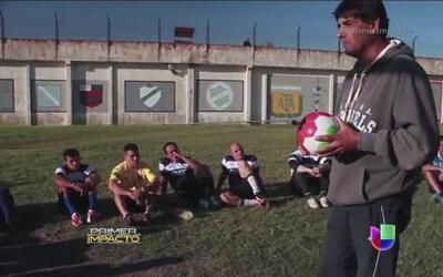 Fútbol tras las rejas para rehabilitar peligrosos delincuentes